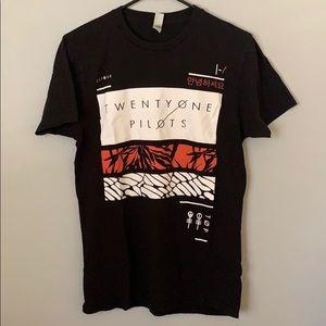 Slim fit black short sleeve shirt